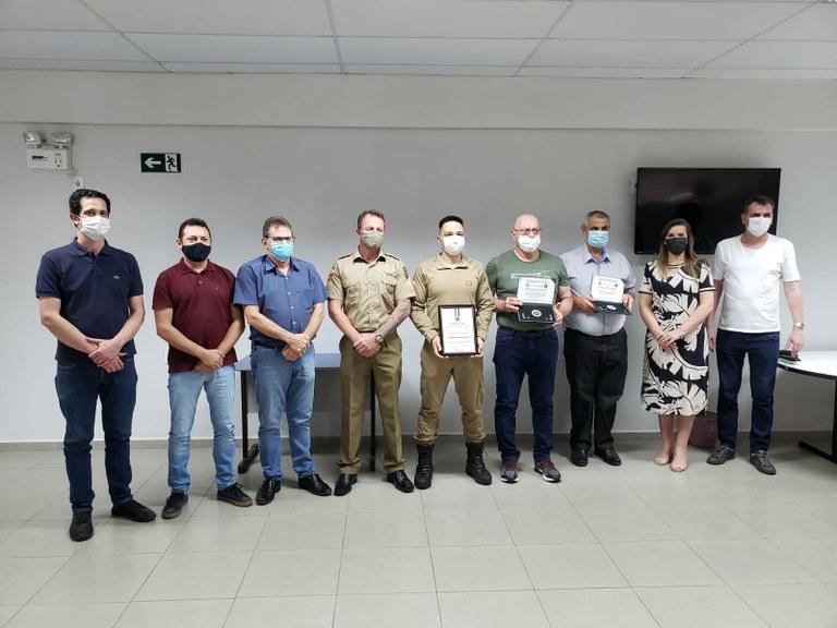 Vereadores Participam de Homenagem aos Policiais Militares por Tempo de Serviço Prestado.